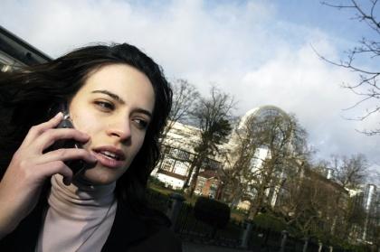 La Comisión Europea retira su idea de cobrar por recibir llamadas