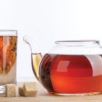 Añadir leche al té... ¿una mala opción?