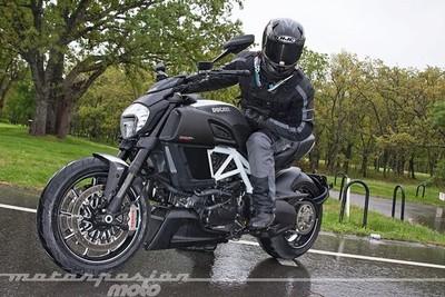 Ducati Diavel, toma de contacto (valoración, galería y ficha técnica)