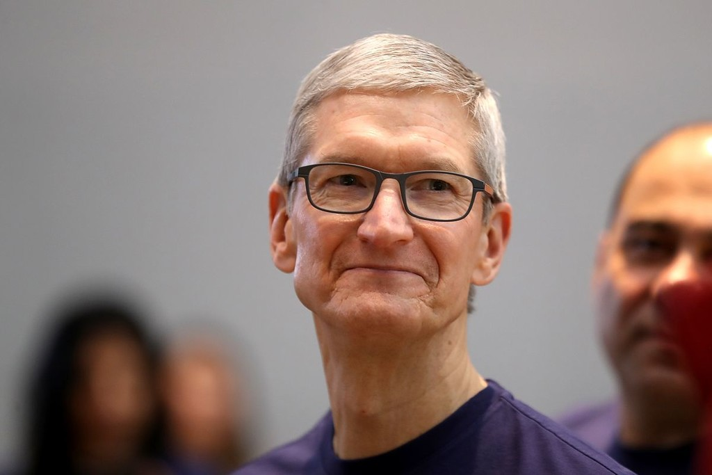 Apple detiene su actividad en bolsa y rebaja las expectativas de sus cercanos resultados financieros