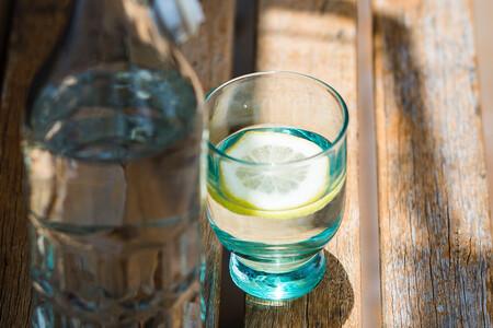 """Un vaso de agua con sal, la tendencia """"wellness"""" más absurda que ha producido Silicon Valley"""
