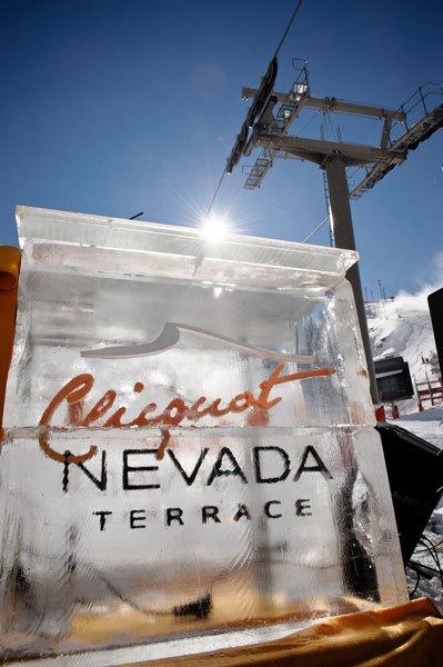 Clicquot Nevada Terrace, champagne a pie de pista en Sierra Nevada