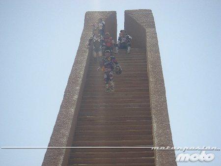 En lo alto de la escalera