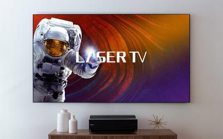 """Hisense Laser TV: un extraño híbrido entre Smart TV 4K de 100 pulgadas y proyector de """"sólo"""" 9.999 dólares"""