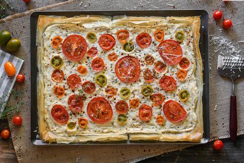 Tarta salada de queso ricotta y tomate, receta para saborear a lo grande  los tomates de temporada