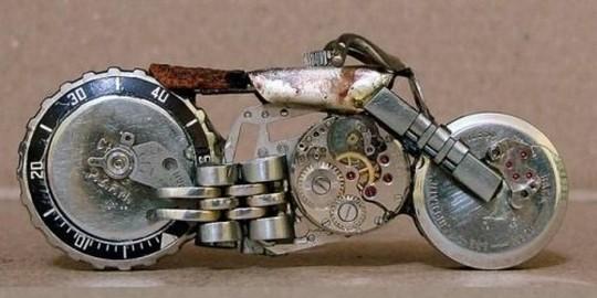 Foto de Motos hechas con relojes (21/25)