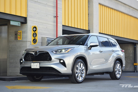 Toyota Highlander 2020 3