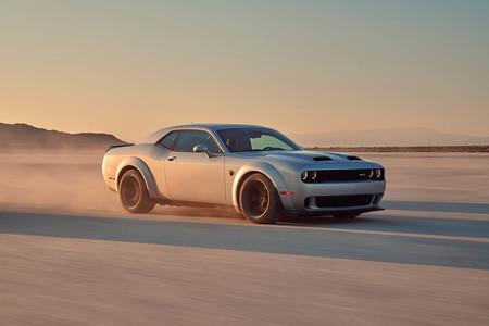 El Dodge Challenger SRT Hellcat Redeye de 808 CV nos muestra en este vídeo como llega a los 314 km/h sin despeinarse