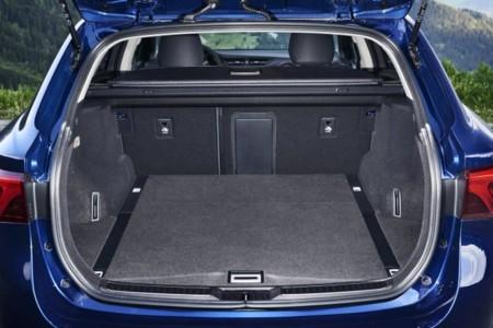 Avensis 2015