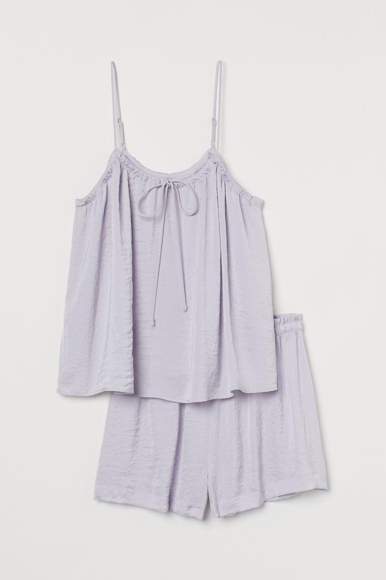 Pijama de satén en malva de H&M