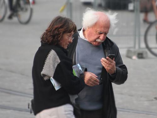 Teléfonos para personas mayores: nuestra selección con los mejores modelos