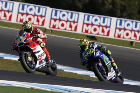 Andrea Iannone Y Valentino Rossi Australia 2015