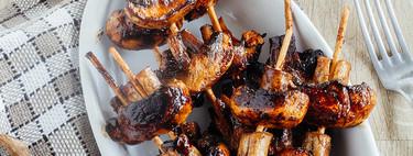 Brochetas de champiñones marinados al balsámico. Receta fácil para el picoteo
