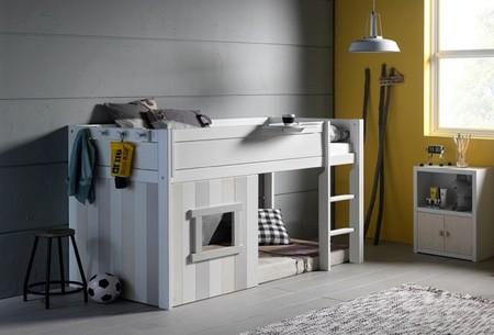 Camas que ahorran espacio y crean ambiente en dormitorios infantiles
