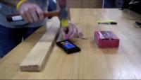 Nokia Lumia 900, a golpe de martillo