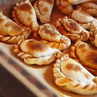 Empanadas dulces de manzana, canela y queso mascarpone