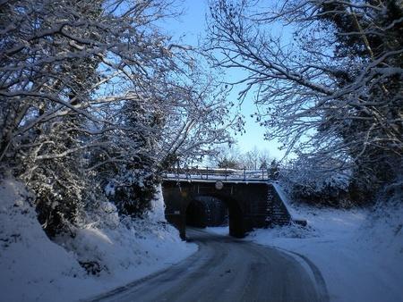 Consejos y trucos para que el hielo en la carretera no te amargue el día