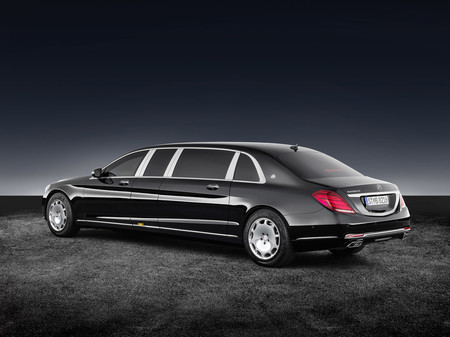 Mercedes Maybach S600 Pullman Guard 2