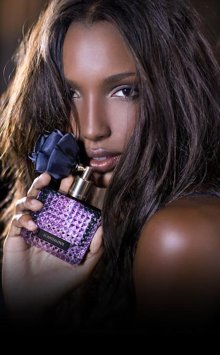 Victoria's Secret nos quiere escandalizar esta nueva temporada con su última fragancia