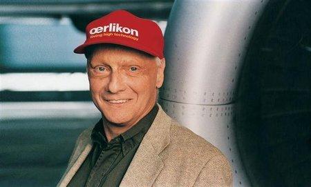 Niki Lauda sugiere la retirada a Michael Schumacher