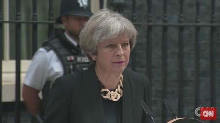 """Theresa May pide una regulación global de Internet para """"evitar la propagación del extremismo y la planificación terrorista"""""""