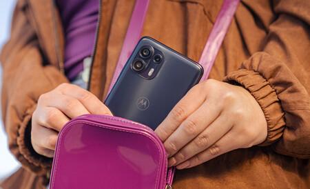 El Motorola Edge 20 lite llega a España: precio y disponibilidad del nuevo gama media con 5G y cámara de 108 MP