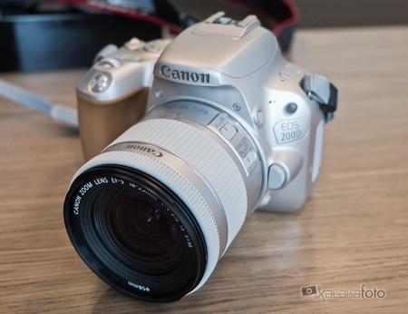 Canon EOS 200D, toda la información y toma de contacto con la nueva réflex de iniciación de llamativo aspecto