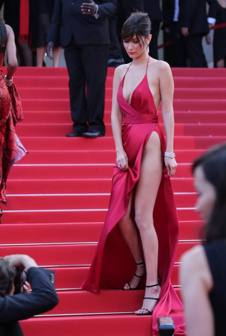 Bella Hadid Unknown Girl Festival Cannes 2016 4