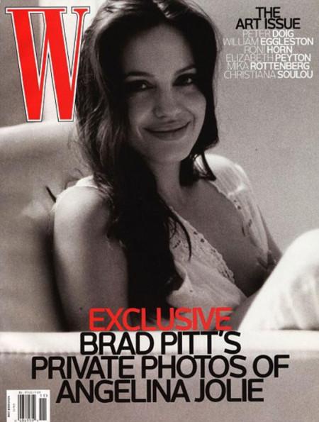 Angelina Jolie Bebe Pecho