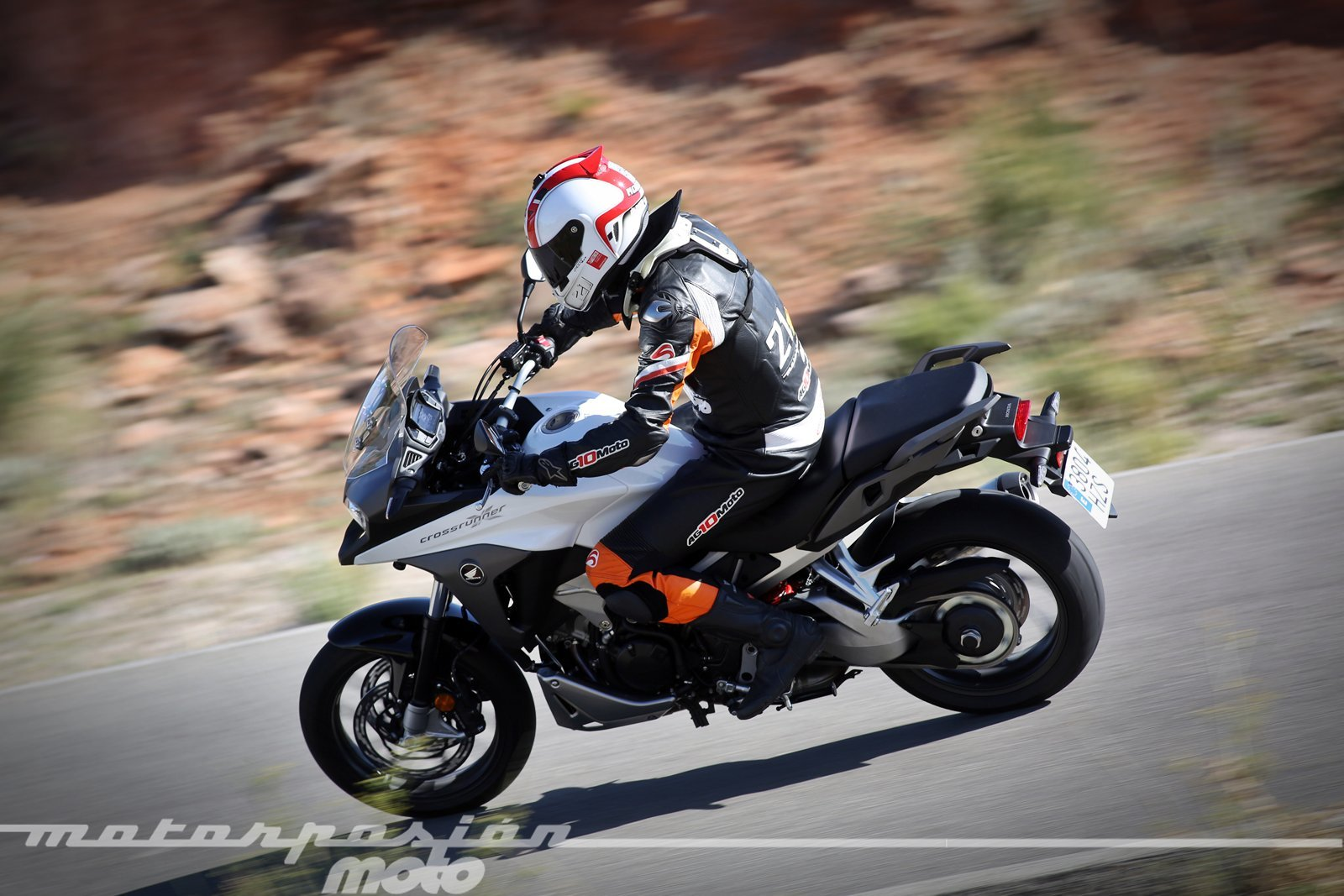 Foto de Honda VFR800X Crossrunner - Acción (10/23)