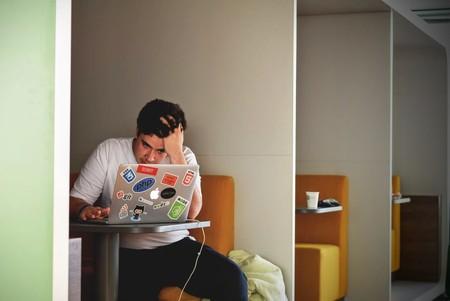 ¿Dolor de cabeza? Borra el estrés laboral de tu vida para siempre con estos tips