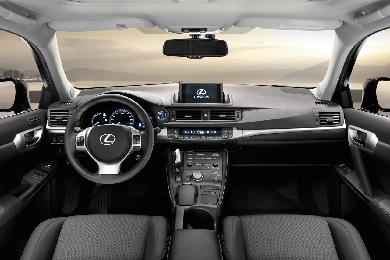 Foto de Lexus CT 200h (157/164)