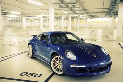 Porsche 911 Carrera 4S '5M Porsche Fans'