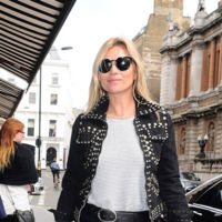 Pasarán los años y Kate Moss seguirá teniendo el street style más rockero