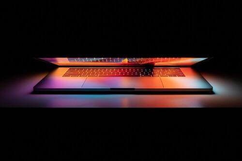 """Los MacBook Pro con M1X están más cerca que nunca, según Bloomberg llegarán """"en las próximas semanas"""""""