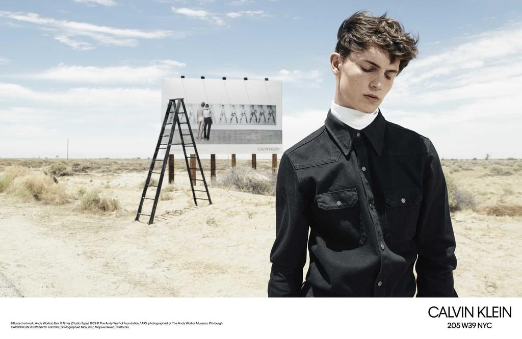 Willy Vanderperre Captura Dos Campanas En Una Sola Para El Otono De Calvin Klein 4