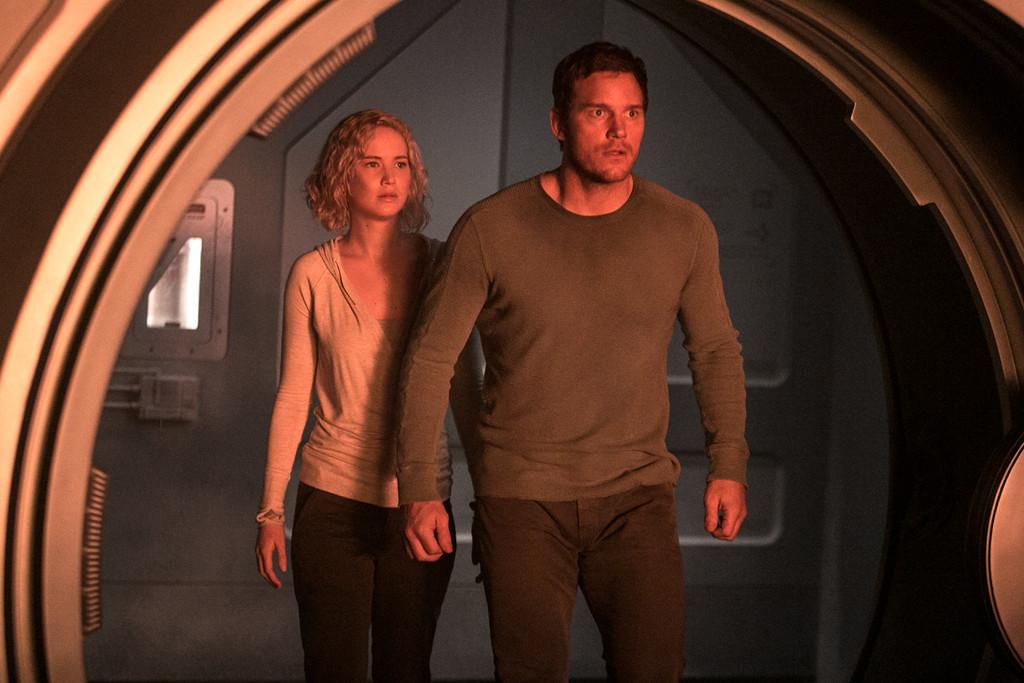 Passengers Jennifer Lawrence Chris Pratt Escena