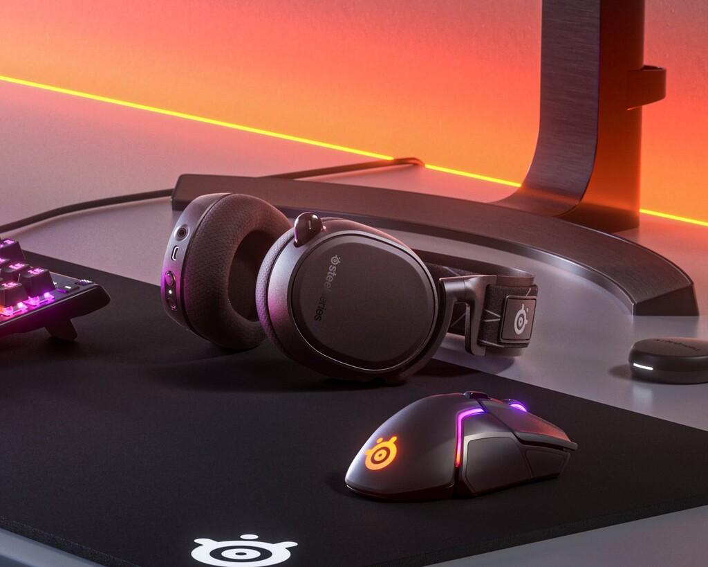 Arctis 9: SteelSeries ya tienes auriculares gaming sin cables compatibles con PC y PlayStation 4 y 5