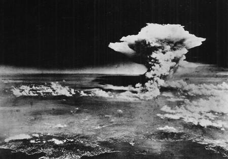 ¿Fue la bomba atómica de Hiroshima un crimen necesario? 70 años de debate