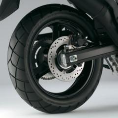 Foto 36 de 50 de la galería suzuki-v-strom-650-2012-fotos-de-detalles-y-estudio en Motorpasion Moto