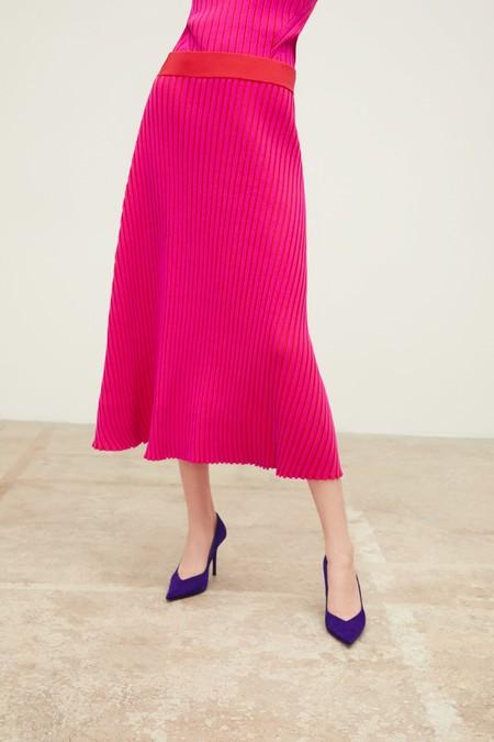 9b6c13bd3 Estas son las 17 faldas midi más bonitas de la temporada, y te ...