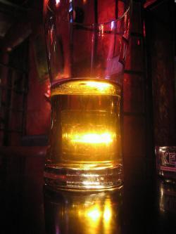 ¿Puedo dar positivo con dos cervezas?