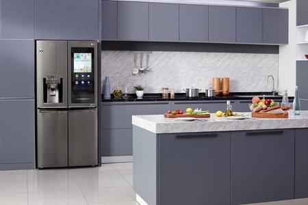 LG lleva sus nuevos frigoríficos InstaView al CES 2020: vienen con hielos esféricos, puerta transparente y pantalla de 22 pulgadas