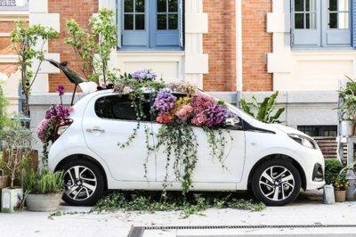 Las flores y el color llenarán el próximo sábado Jorge Juan con el Peugeot 108 Flower Market