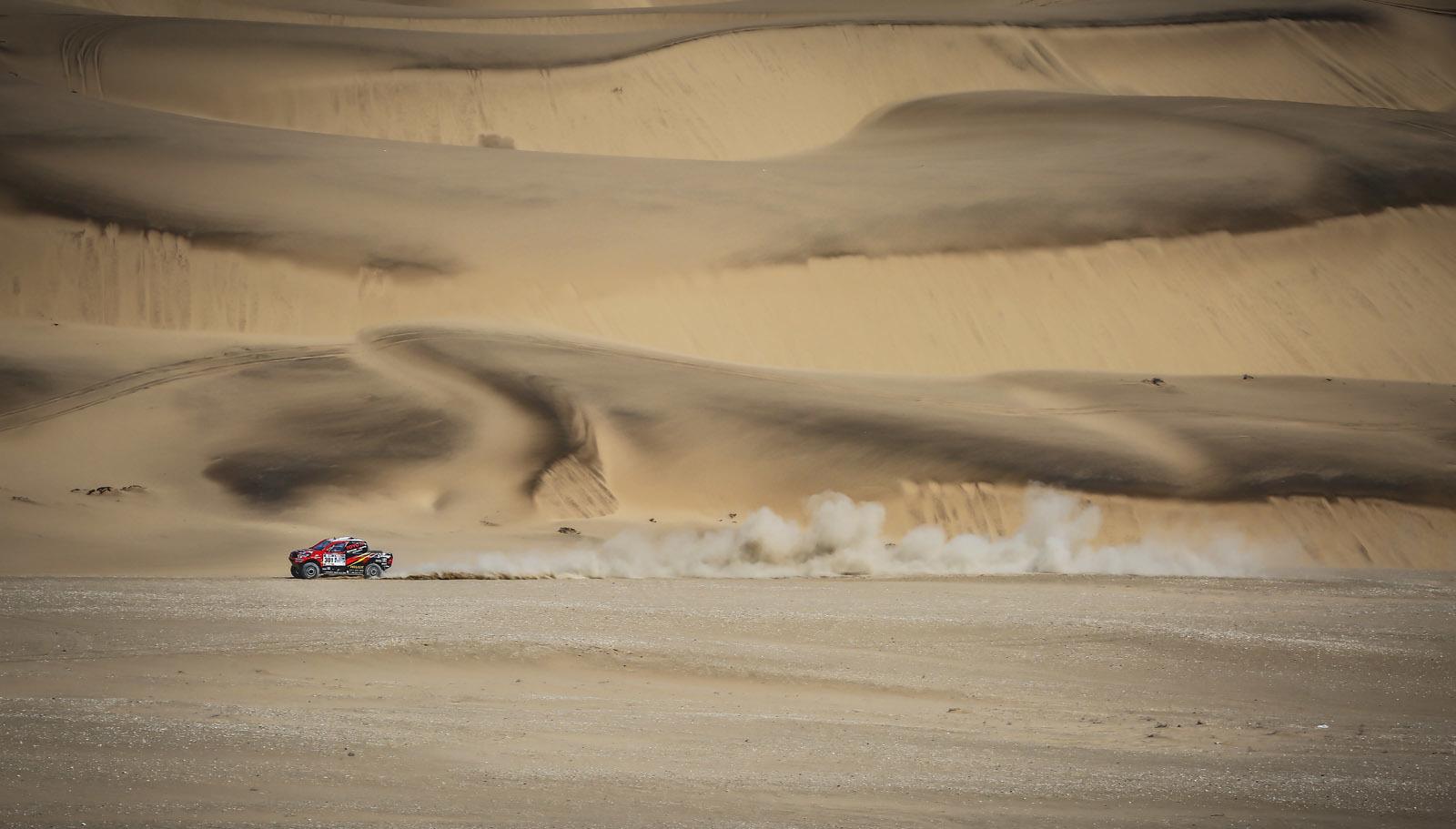 Foto de Toyota Hilux 2016 Namibia (35/74)