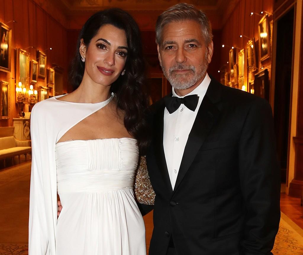 Si alguna vez nos invitan al Palacio de Buckingham, querremos vestir como Amal Clooney#source%3Dgooglier%2Ecom#https%3A%2F%2Fgooglier%2Ecom%2Fpage%2F%2F10000