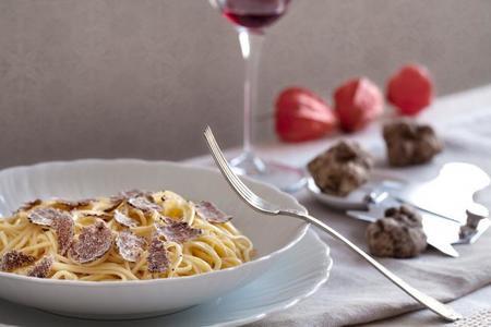 La trufa blanca italiana, un manjar inolvidable