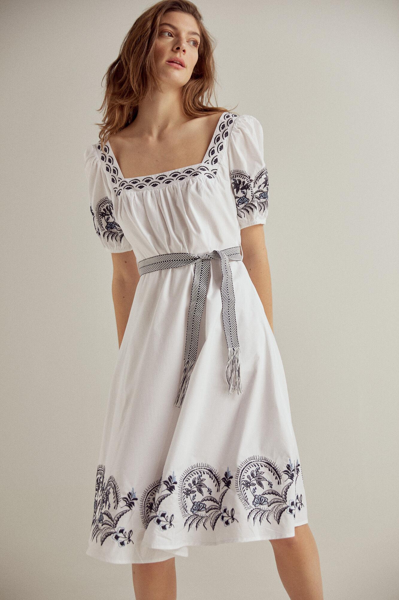 Vestido popelin bordado