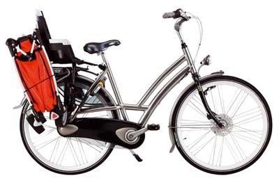 La silla Zapp de Quinny se lleva en la bici