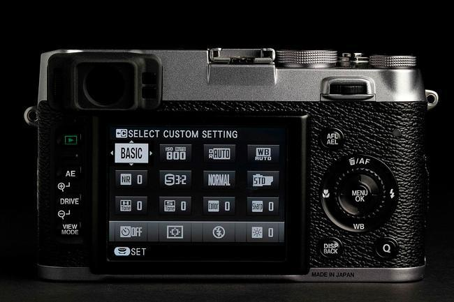 fujifilm-x100s-camera-back-screen-on.jpg